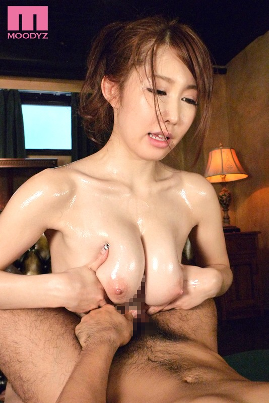MILF with big boobs Japanese married woman has a hot spring affair